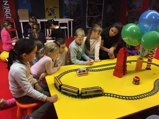 Children's party - Train game