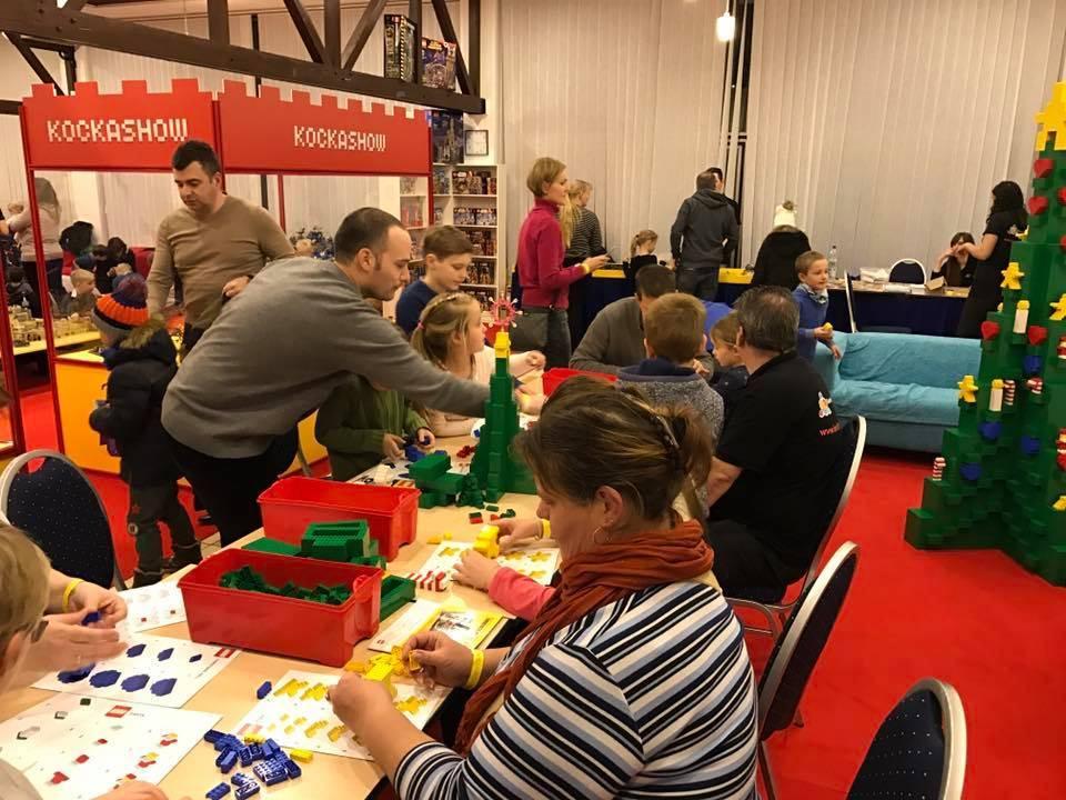 játszóház kitelepülés Családi karácsonyfa építés