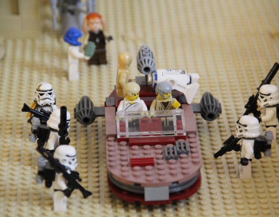 """Tatooine - """"Nem ezeket a droidokat keresik!"""""""