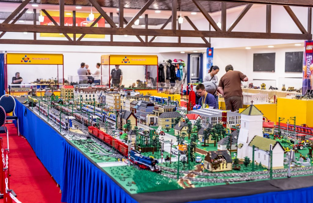 LEGO Country
