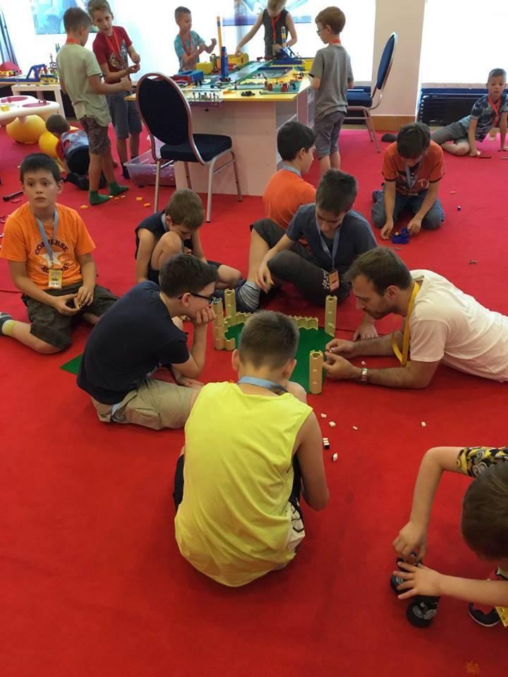 Lego tábor - építs várat