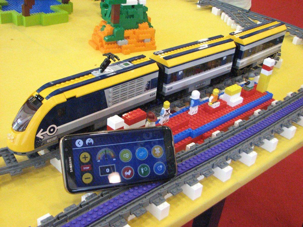 Lego tábor - LEGO® City személyvonat építés